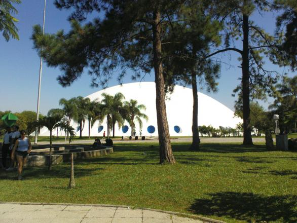 One+of+Oscar+Niemeyer%27s+Bienal+Park+Fruit+Fancies